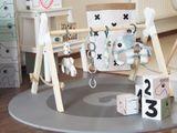 Drevená handmade hrazdička pre deti na zavesenie hračiek.