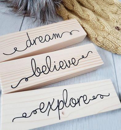Drevená dekorácia - dream, believe, explore
