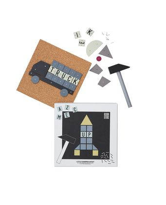 Zatĺkacia tvorivá sada Design Letters - Hammer artist